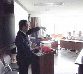 札幌工業高校でサポート授業