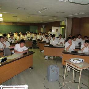 札幌工業高校で出前授業